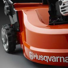 Аккумуляторная газонокосилка Husqvarna LC 247iX (Li)