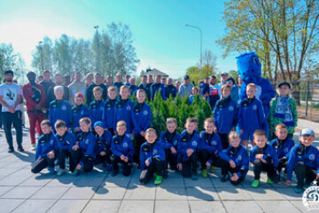 Мир! Труд! Май! Посадка деревьев на стадионе «Динамо-Юни»